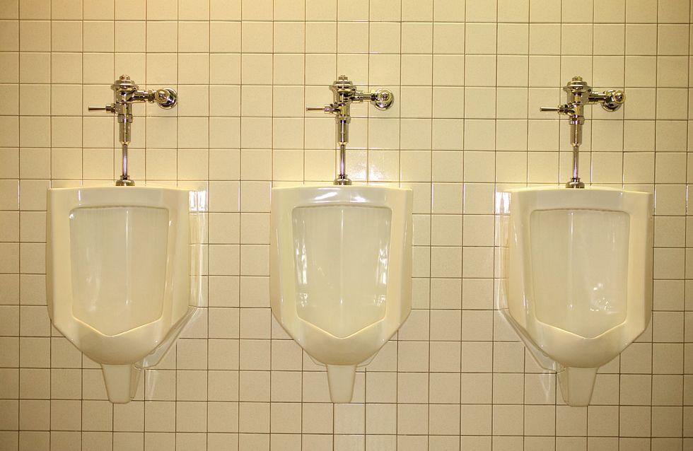 Toilettes publiques : Le lieu qui fait trembler les hommes