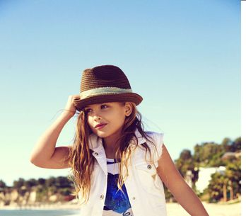 La fille d'Anna Nicole Smith devient égérie Guess à 6 ans (Photos)