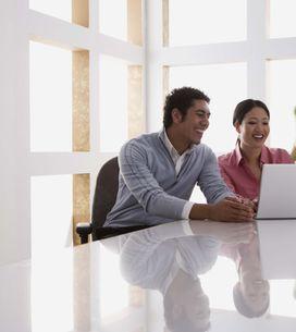 82 % des femmes fantasment sur leurs collègues de travail...