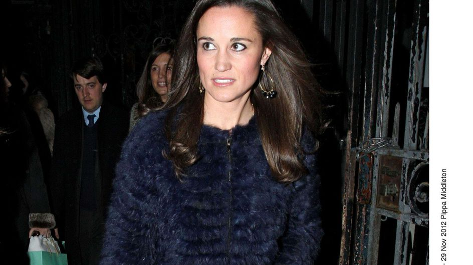 Pippa Middleton et son manteau de fourrure font fureur (Photos)
