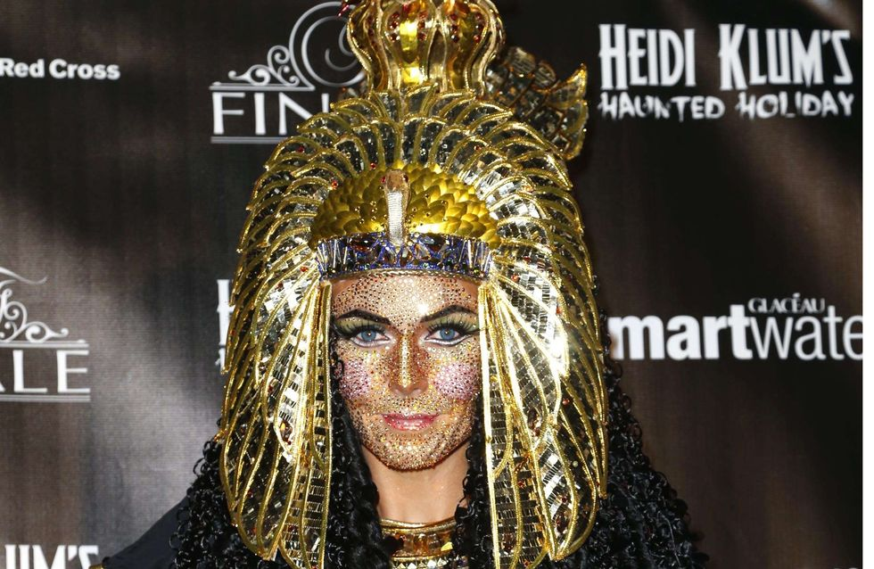 Heidi Klum : Elle joue les Cléopâtre (Photos)
