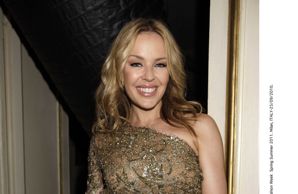 "Kylie Minogue : ""Avant de passer par le maquillage, j'ai l'air d'avoir 94 ans"""