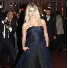 Mélanie Laurent : Elle assume la robe pantalon ! (Photos)