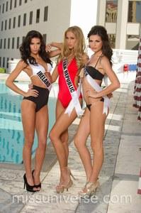 Miss Univers Miss Irlande, Miss Slovaquie Miss Grèce