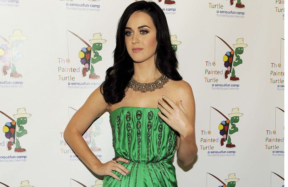 Katy Perry : Incroyablement chic en Yves Saint Laurent ! (Photos)