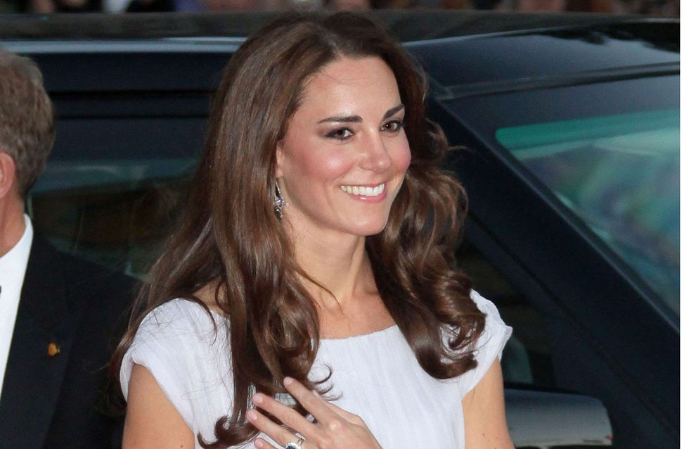 Kate Middleton enceinte : Sa mère accourt à son chevet (Photos)