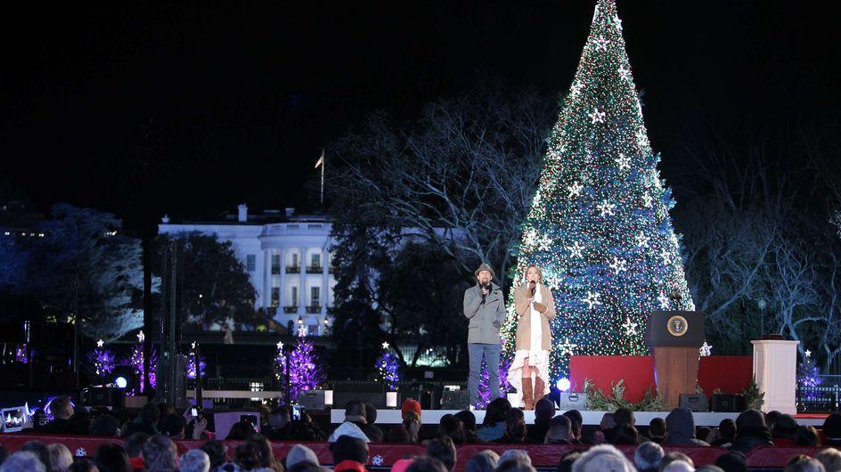 Les Obama illuminent le Sapin de Noël de la Maison Blanche (Vidéo)