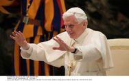 Benoît XVI : Le nouveau pape de Twitter