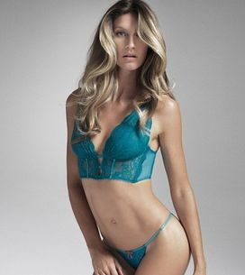 Gisele Bündchen : Ultra sensuelle pour sa collection de lingerie (Photos et Vidé