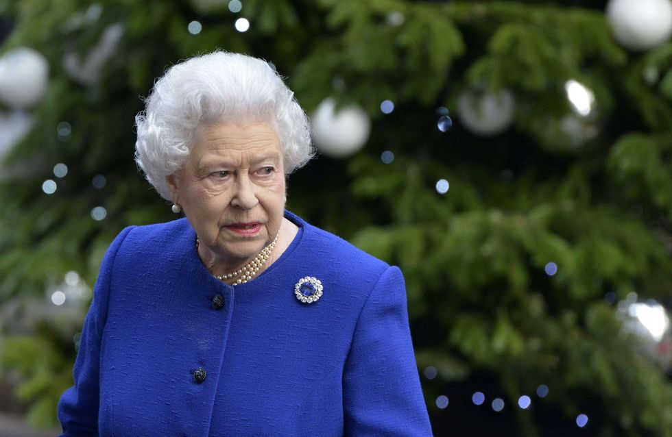 Reine Elizabeth II : Son look Swarovski 3D fait sensation ! (Photo)
