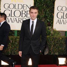 Golden Globes 2013 : Robert Pattinson, chic... mais seul (Photos)