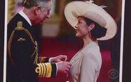 Catherine Zeta-Jones accuse le prince Charles de lui avoir touché les seins (Vid