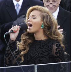Beyoncé : Des boucles d'oreilles très voyantes pour l'investiture de Barack Obama (Photos)