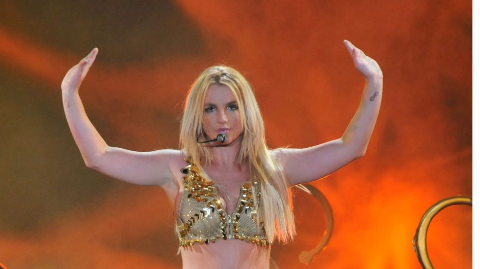 Britney Spears : Elle se moque de Russell Crowe (Photos)