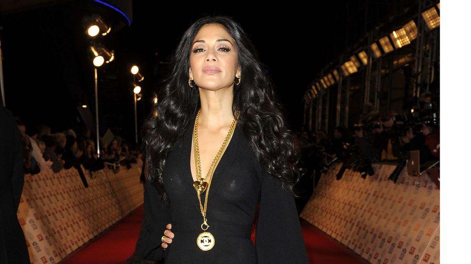 Nicole Scherzinger : Sa robe trop transparente laisse apparaître ses cache-tétons ! (Photos)
