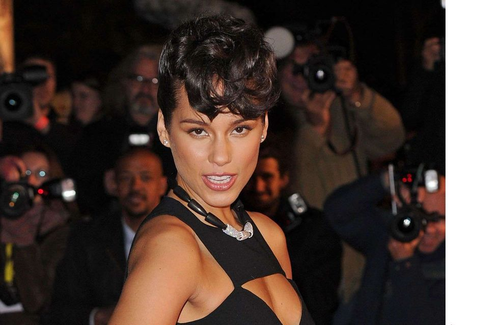 Alicia Keys : Ultra-sexy pour les NRJ Music Awards (Photos)