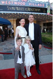 Liberty Ross, Rupert Sanders et leurs deux enfants
