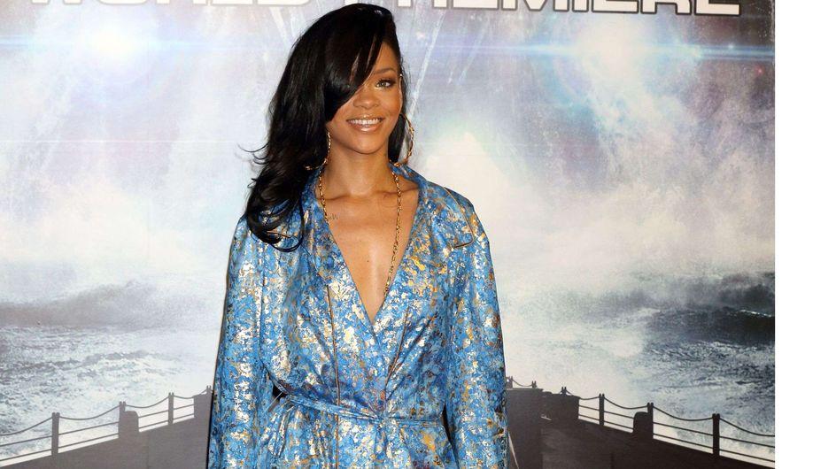 Rihanna : Elle a tenté le look pyjama ! (Photos)