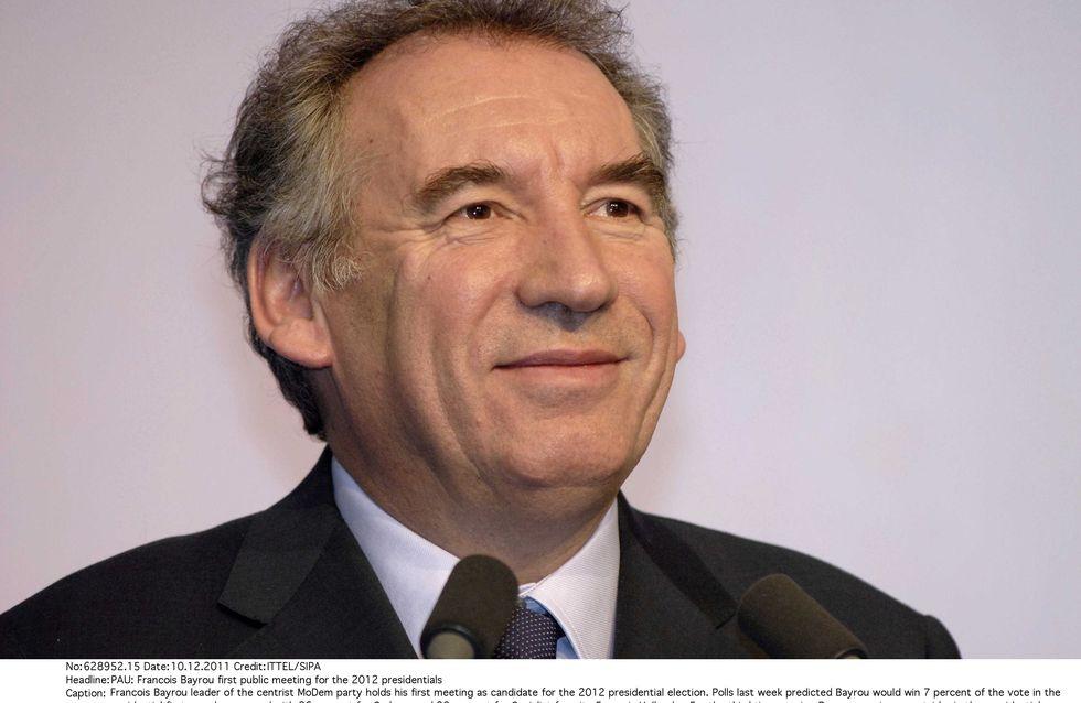 """François Bayrou : Sa boulette sur les femmes """"lourdes"""" (Vidéo)"""