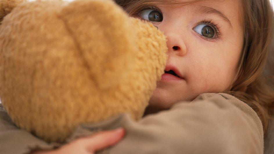 Un bébé passe cinq jours près du corps sans vie de sa maman