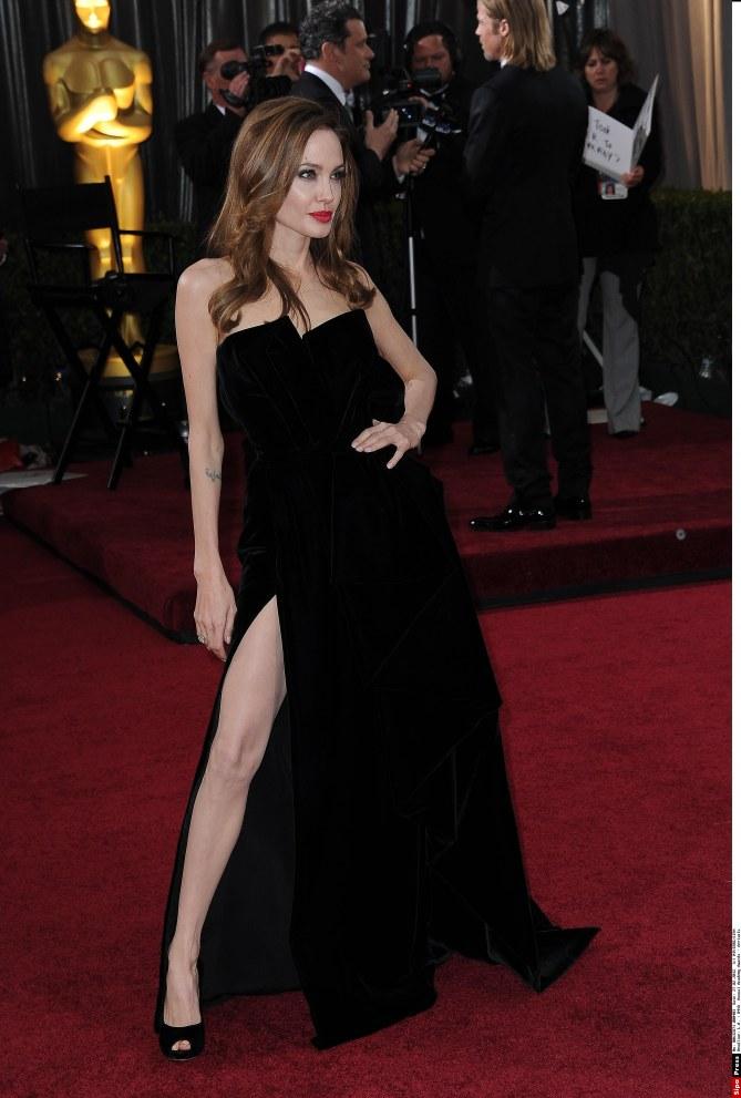 Angelina Jolie jambe Oscars 2012