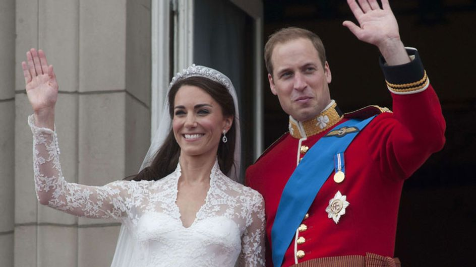 Kate Middleton : L'anniversaire de sa robe de mariée ! (Photos)