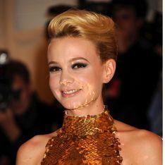 Carey Mulligan : Elle vend sa robe de bal Prada sur Ebay ! (Photos)