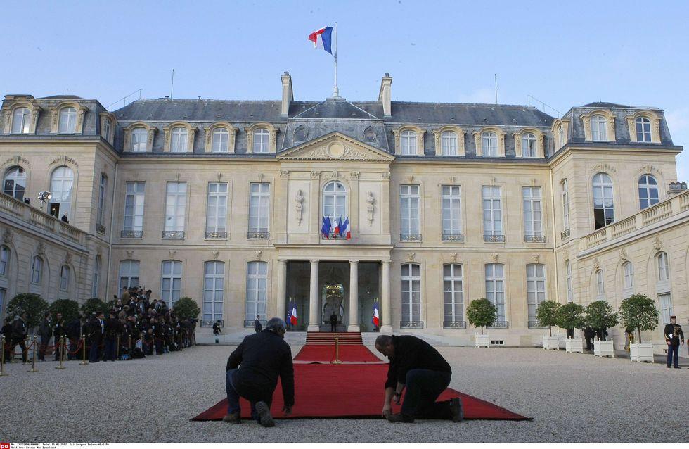Investiture de François Hollande : Demandez le programme !