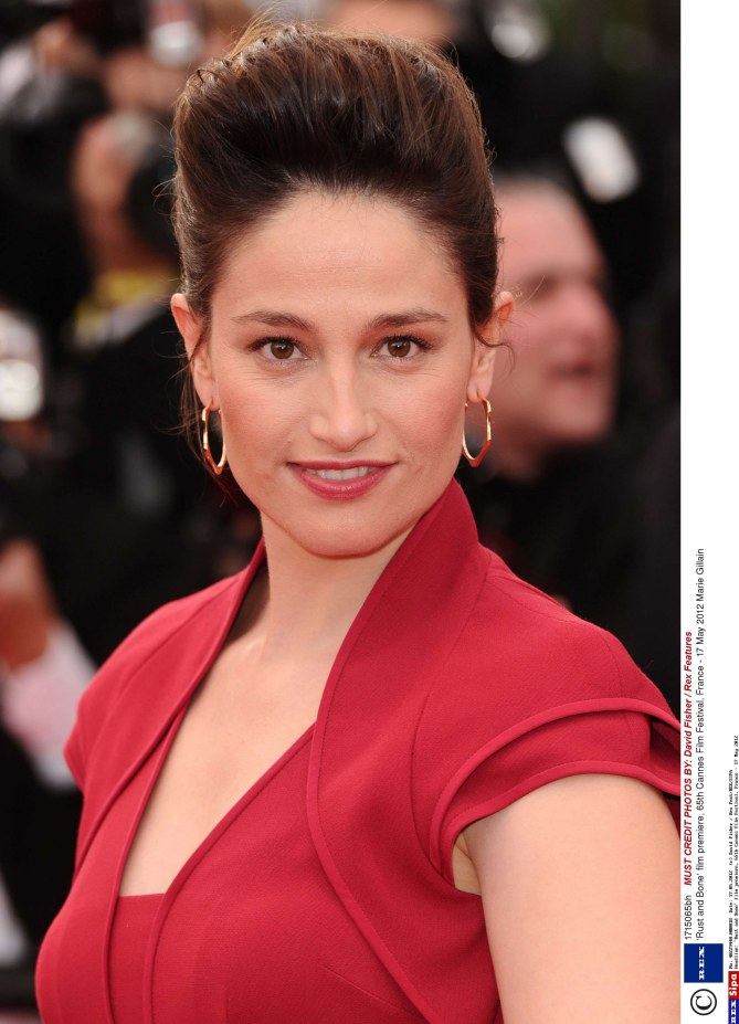 Marie Gillain, chignon rétro Cannes