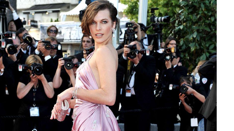 Festival de Cannes : Kristen Stewart se prend pour Angelina Jolie sur les marches cannoises (Photos)