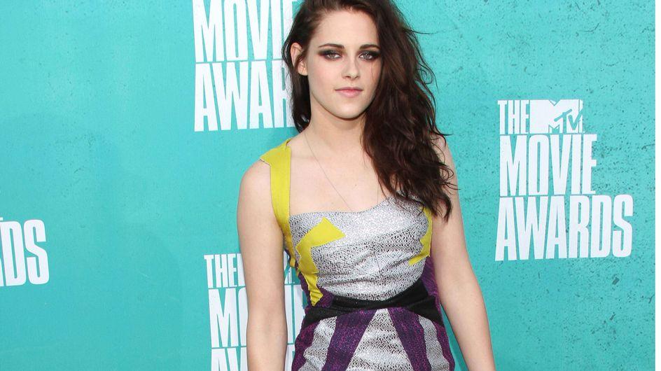 Kristen Stewart : Un joli sourire mais un look raté ! (Photos)