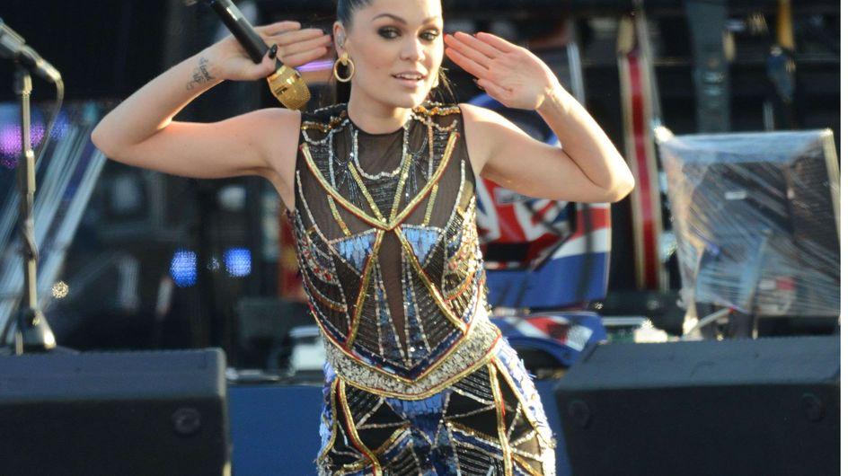 Jessie J : Un look à plumes inquiétant ! (Photos)