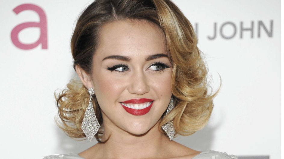 Miley Cyrus : Découvrez sa bague de fiançailles (Photos)