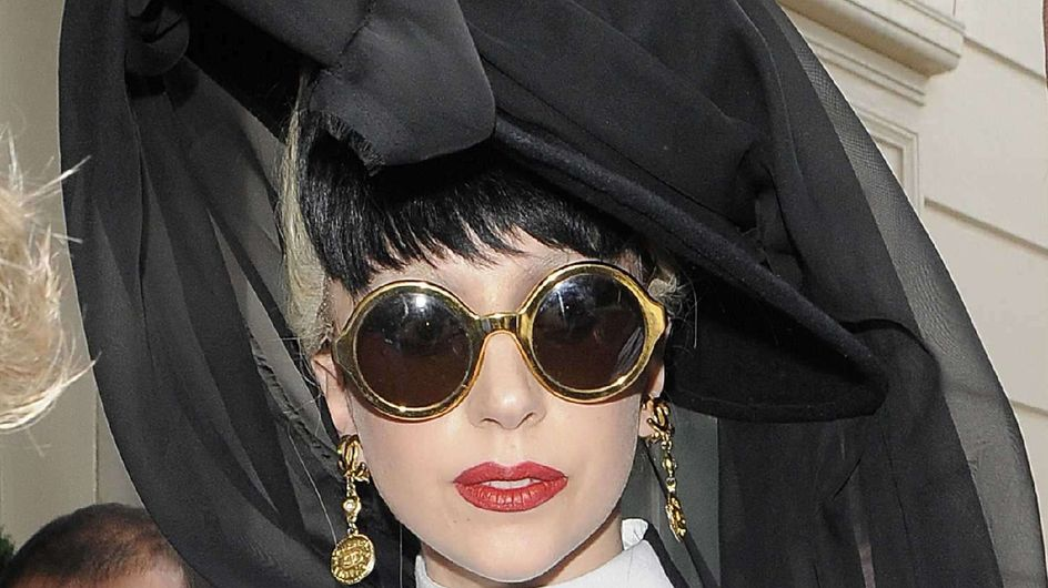 Lady Gaga : Son parfum sentirait la prostituée de luxe !