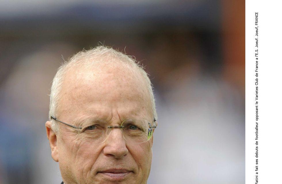 Thierry Roland, voix mythique du football, est décédé à l'âge de 74 ans