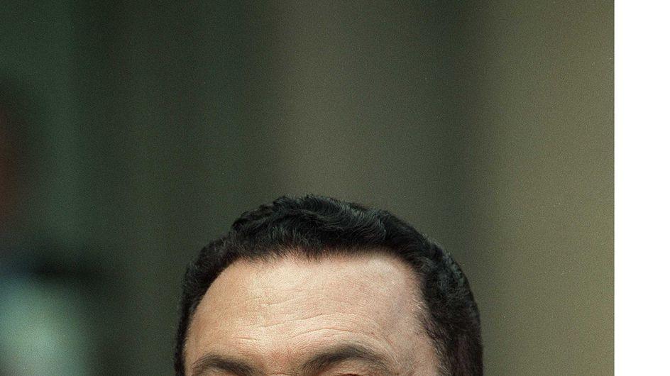 Hosni Moubarak : Son état critique indiffère les Égyptiens