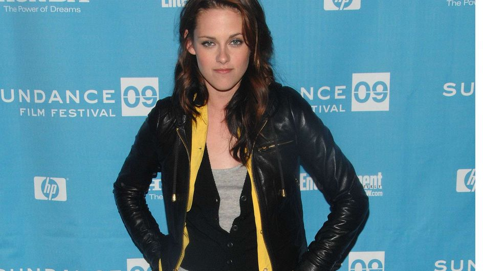 Kristen Stewart : Dans la vraie vie, elle cultive son look grunge ! (Vidéo)