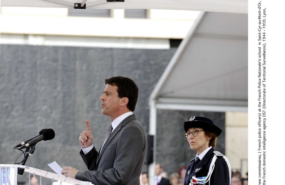 Délit de faciès : Valls veut en finir avec le tutoiement