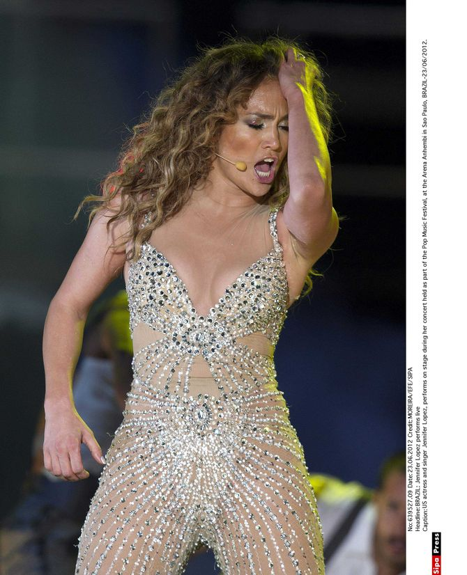Jennifer Lopez presque nue