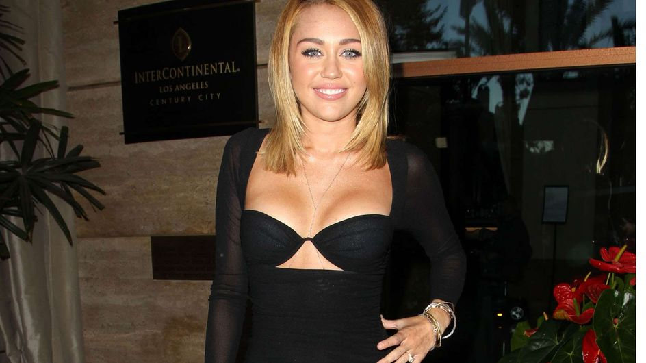 Miley Cyrus : Lookée ou loupée ? (Photos)