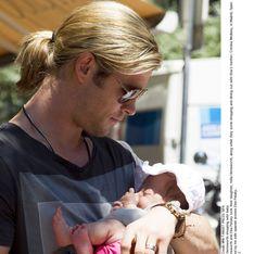 Elsa Pataky et Chris Hemsworth nous présentent leur petite India Rose ! (Photos)