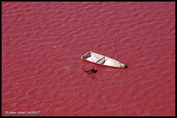 Lac rose au Sénégal, photo de Jean-Marc Moret