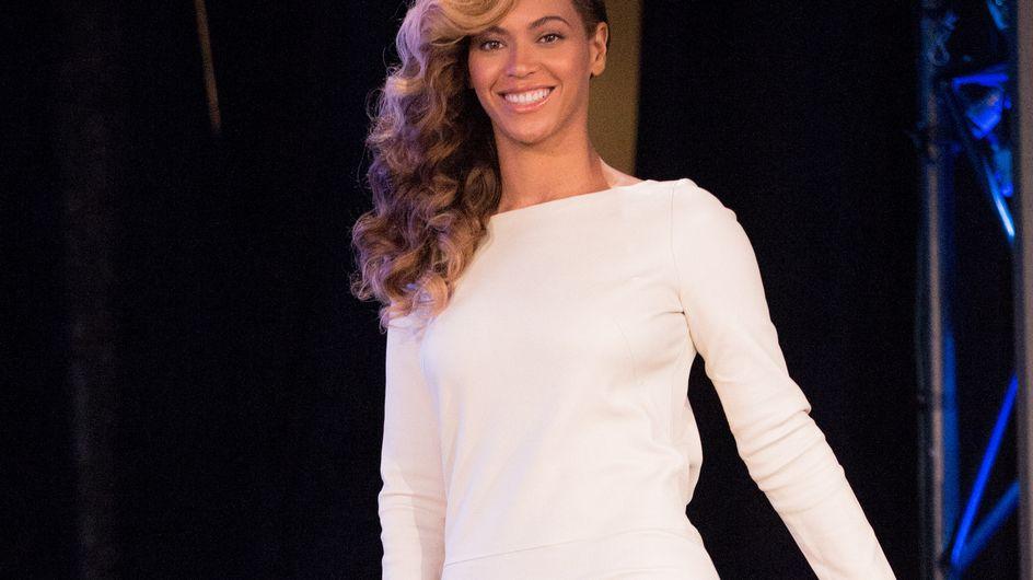 Beyoncé : Eblouissante dans une robe blanche (Photos)