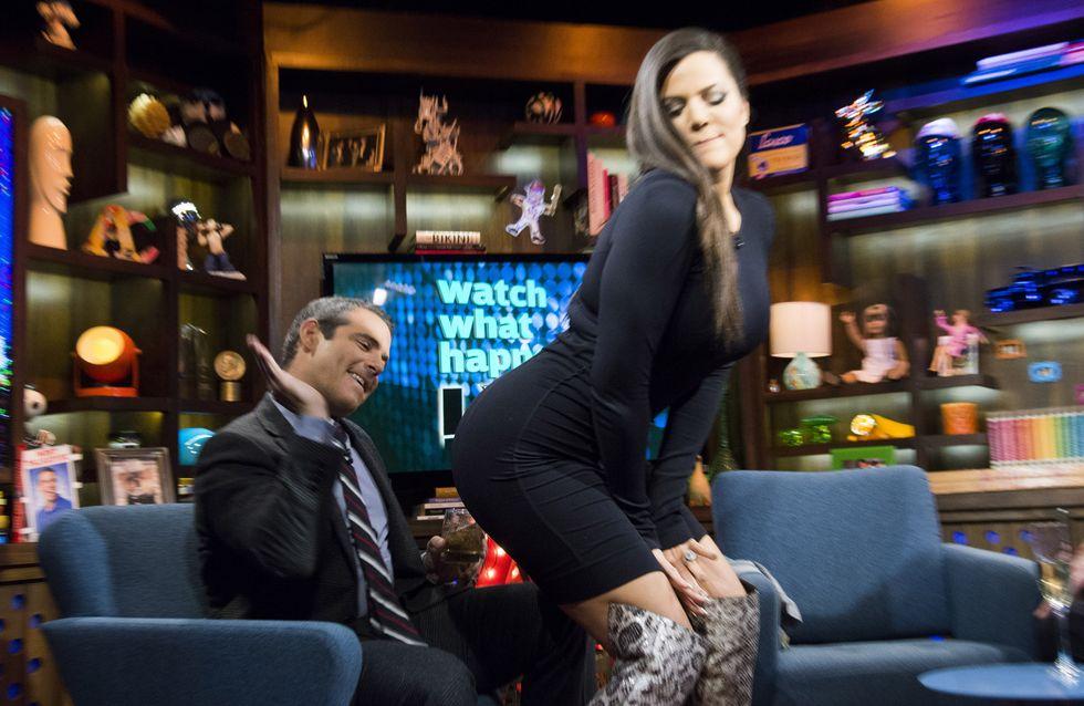 Khloé Kardashian : Elle fait une lap dance sur un plateau télé (Photos)