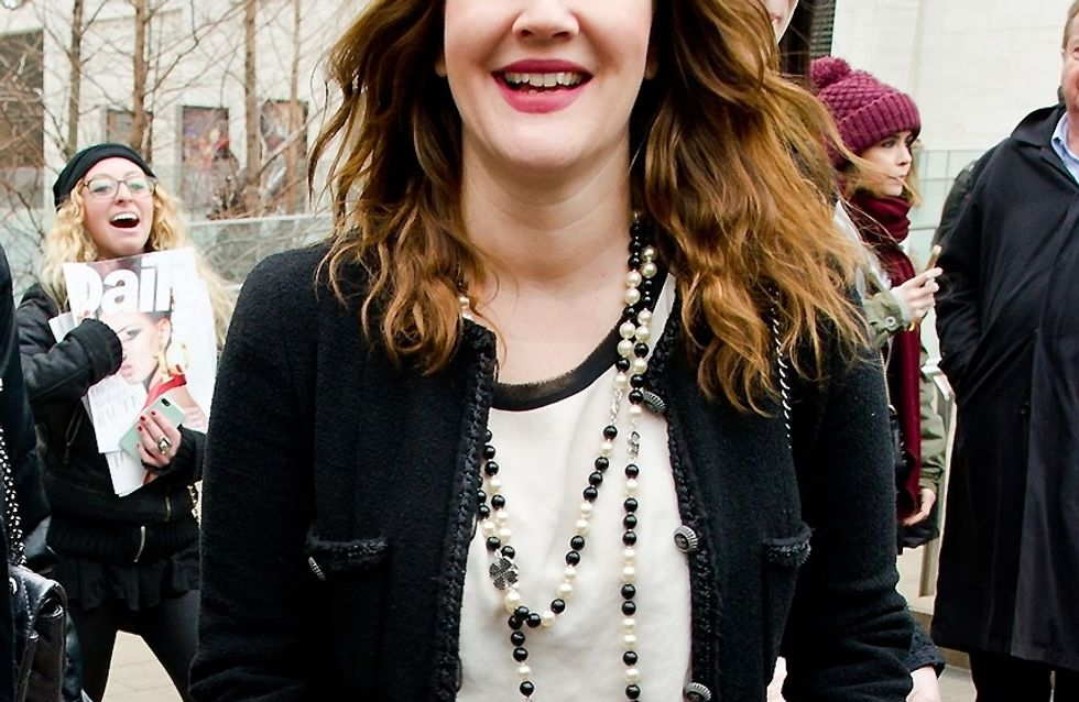 Drew Barrymore : Elle irradie en maman ultra-lookée (Photos)