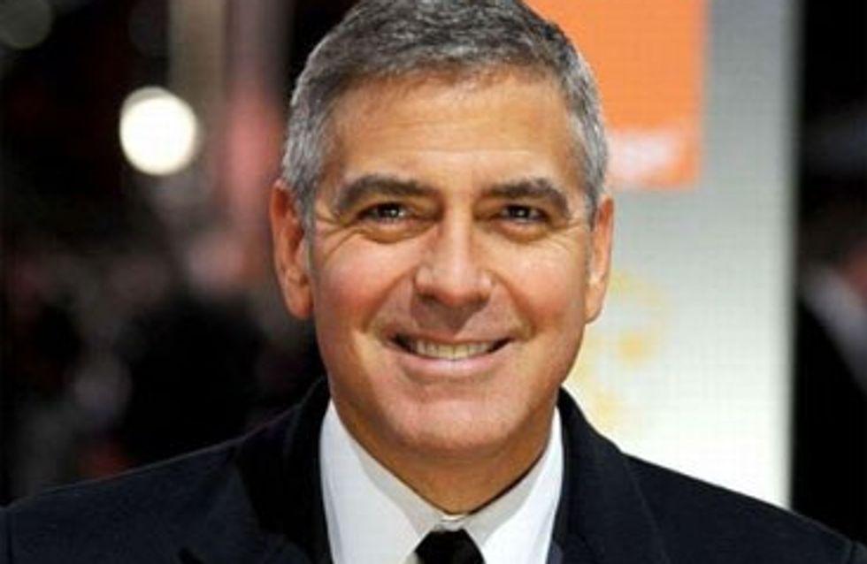 Anne Hathaway : Elle craque pour George Clooney...