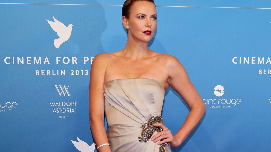 Charlize Theron : Déesse de beauté sur le red carpet berlinois (Photos)
