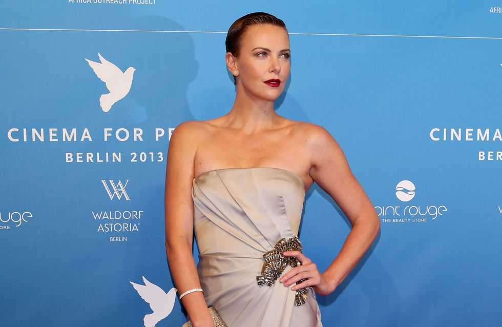 Charlize Theron : Déesse de beauté sur le red carpet berlinois (Photos)