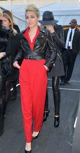 Miley Cyrus au défilé Rachel Zoe