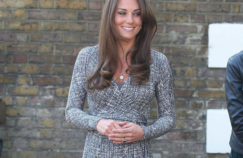 Kate Middleton : Radieuse pour sa première apparition avec un petit ventre (Photos)